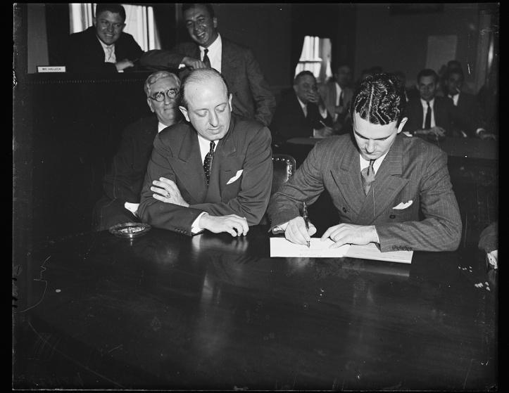 39263v Congressional defiant served with subpoena. Wash 1935.jpg